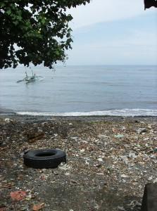 dans le Nord de l'île..une plage qui n'a plus rien de paradisiaque